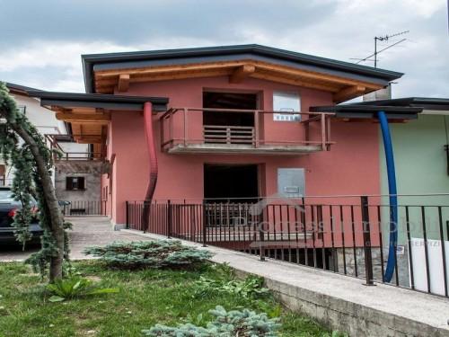 Condominio La Corte in Cremeno (Lotto 001)
