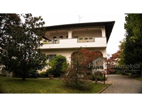 Appartamento in Verderio sup. (sub 702)