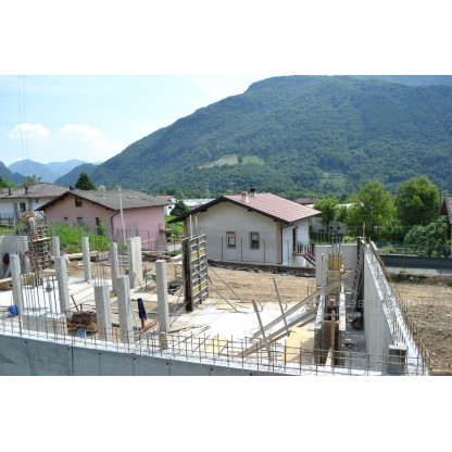 Appartamento e ampio box in Primaluna frazione Barcone