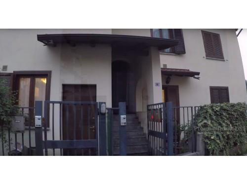 Appartamento e box  in Mandello fraz. Somana
