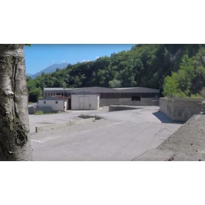 Capannone e terreni in Valmadrera