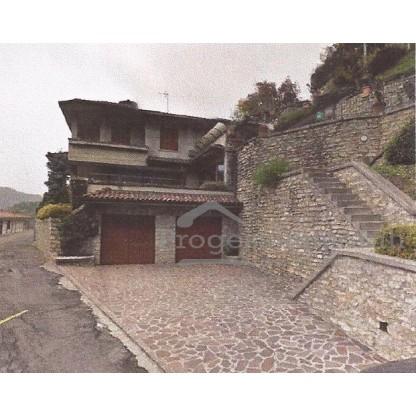 Fabbricato residenziale in Cortabbio di Primaluna