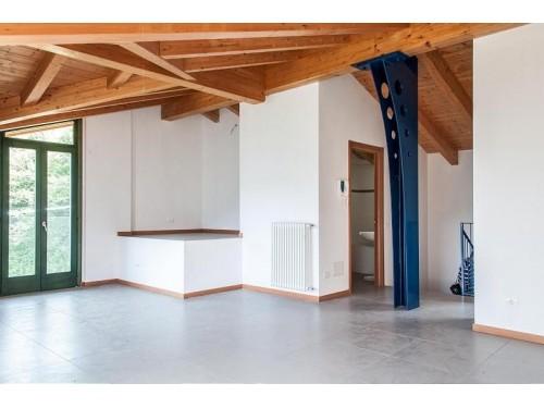 Appartamento in Vendrogno (Lotto 011 sub 720)