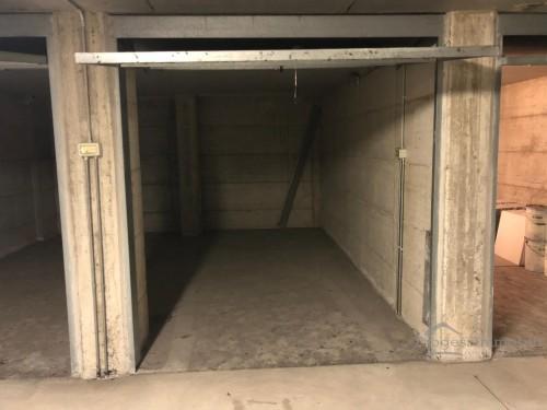 Box in Lecco via Fratelli Bandiera - Residenza il Portico (sub 799)