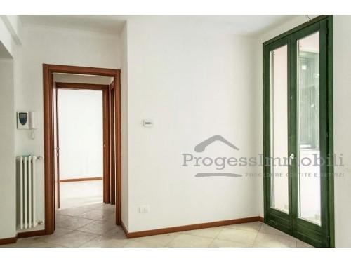 Appartamento in Vendrogno (Lotto 004 - sub 706)