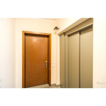 Appartamento in Molteno con box cantina e posto auto (Lotto 004)