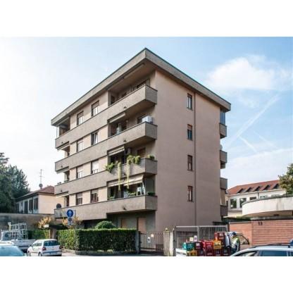 Appartamento signorile con autorimesse in Monza (Lotto 1)