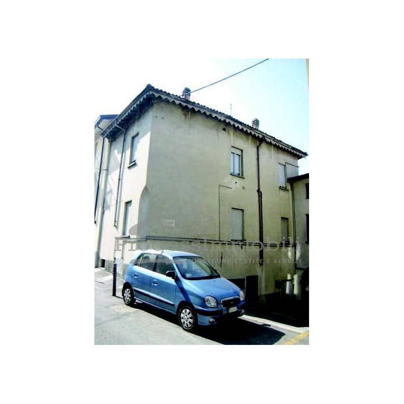 Abitazione di tipo popolare - Diritto di abitazione su immobile in comproprieta ...